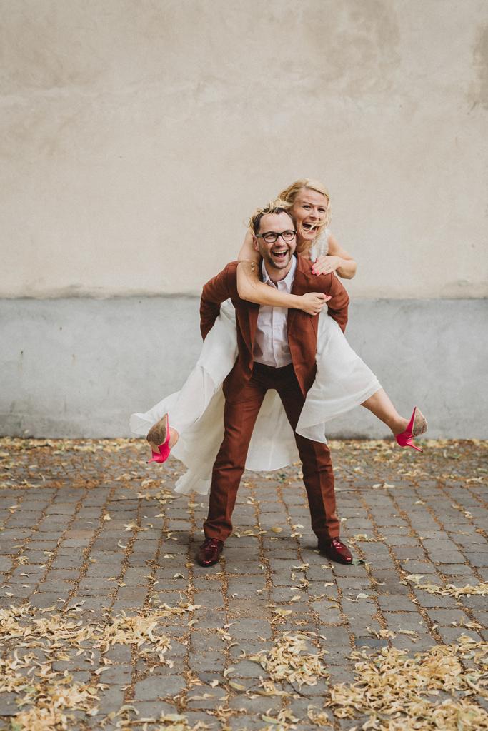 fragment-of-light-hochzeitsfotograf-Kuenstlerische-Hochzeitsreportage-berlin-standesamt-paarshooting-artistic-wedding-photography-vancouver-island-kreuzberg-23.jpg