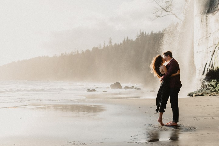 mystic beach juan de fuca engagement photography sooke, bc